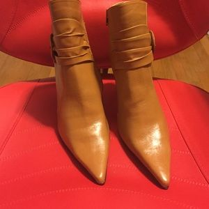 Brand new never used tan boots