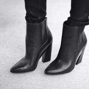 BCBGMaxAzria Ma-Metild Boots
