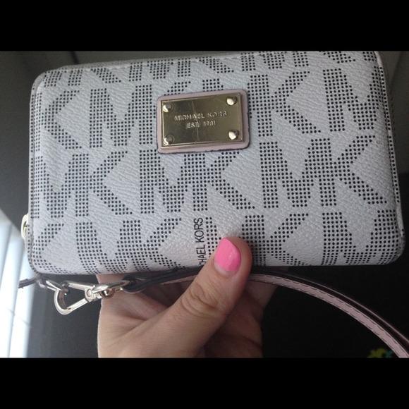 Michael Kors Bags | Hand Clutch Wallet