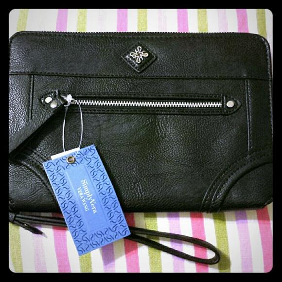 809a1e6e60 NWT Vera Wang Wristlet Clutch Wallet