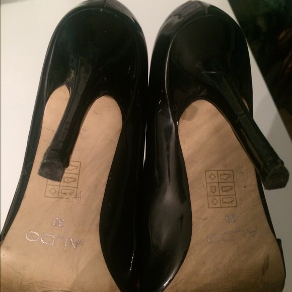 Pointed Toe Shoes Hurt Feet