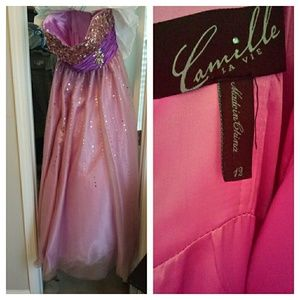 PROM SEASON IS HERE! Get this GORGEOUS Ballgown!
