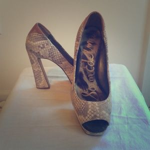 Sam Edelman Peep Toe Pumps Size 6