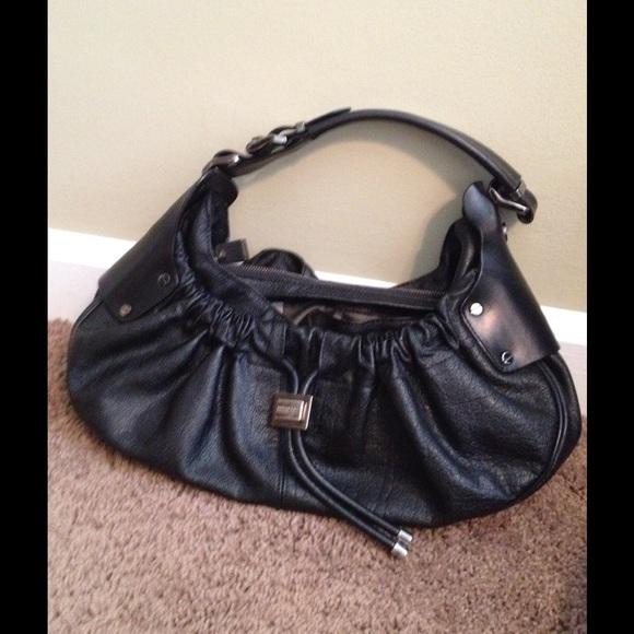 burberry bags outlet sales b5w1  burberry black shoulder bag