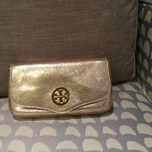 Tory Burch Accessories - Tory Burch gold crossbody