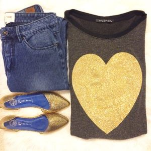 Wildfox Sweaters - NWT Wildfox Gold Heart Baggy Beach Jumper