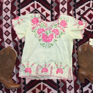 HP vintage boho hippie embroidered top