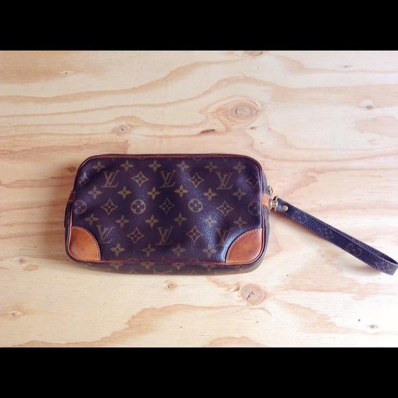 Louis Vuitton Bags - {Louis Vuitton} Marly Dragonne Pochette Clutch