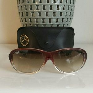 AUTHENTIC Ray-Ban Sunglasses w/ case
