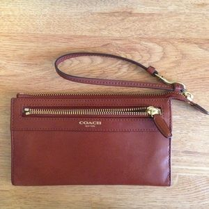 NWT COACH Zippy Wallet Wristlet