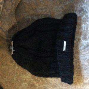 beanie / knit hat