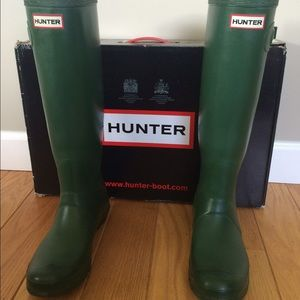 Hunter Original tall Rain Boots, size 8