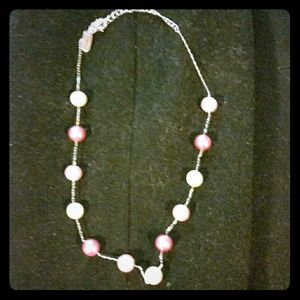 Shades of pink pearl necklace