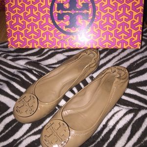 Authentic tory burch reva flats! Size 5.5