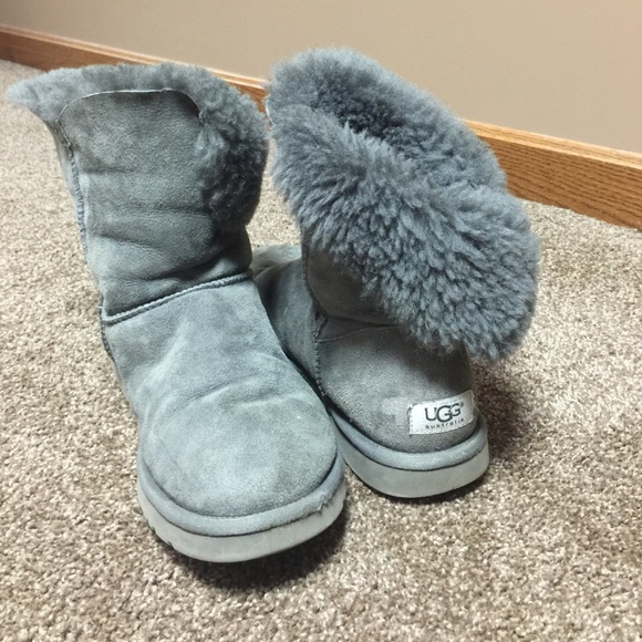 ugg b button grey boots