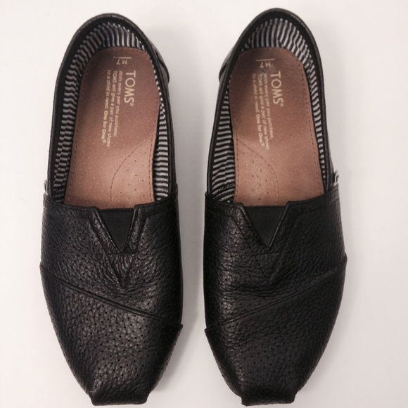 1ee516ac42c TOMS Leather slip on. M 54d962c44225be0c0502a74e