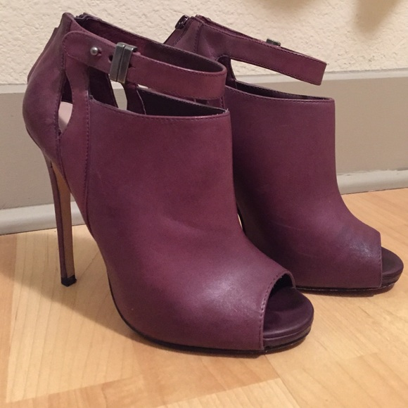 "Shoemint Shoes - Shoemint ""Leila"" Purple Peel Toe Booties Size 6.5"