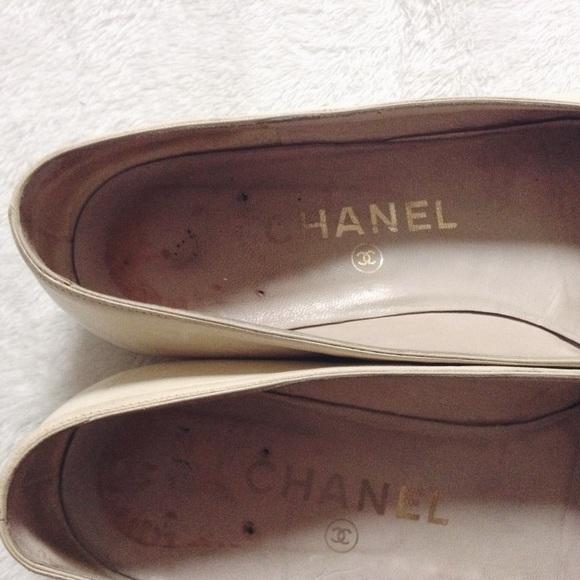CHANEL Shoes - 💐3xHP 2xEP💐 {Chanel} Vintage Cap Toe Flats