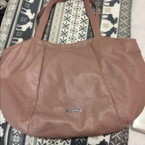 BCBG Handbags - Host Pick!! 🎉 4-16-15 🎉 BCBG Tote Bag 👛