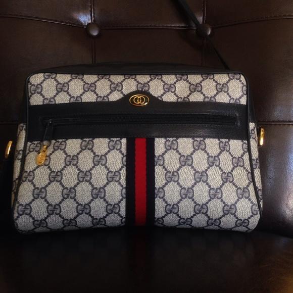 3831abb9bb2 Gucci Handbags - Gucci