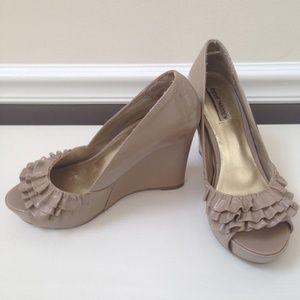 Steve Madden Shoes - Steve Madden Ruffle peep toe wedges