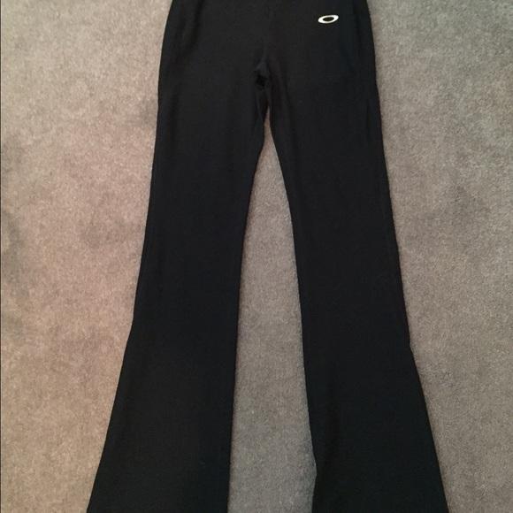 Price ⬇ Black Bootcut Yoga Pants