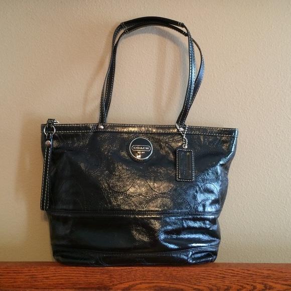 97566d6a05 Coach Handbags - Authentic Coach black patent leather purse