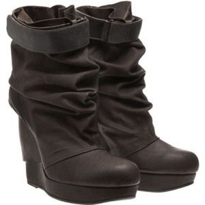 LD Tuttle The Push Booties