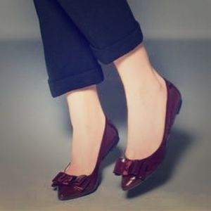 Shoemint Hillary Flat in Patent Wine