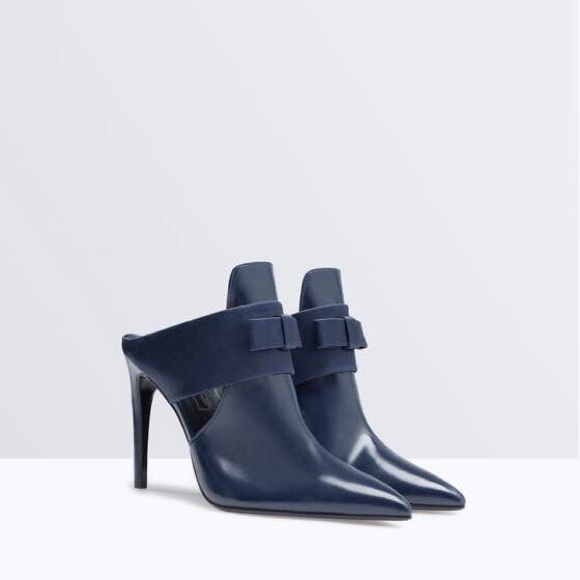 78c59a327d1 🎉PM EDITOR PICK 🎉Zara high heeled mules with bow