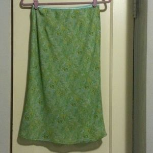 Hillard and Hanson Dresses & Skirts - Cute Paisley green skirt