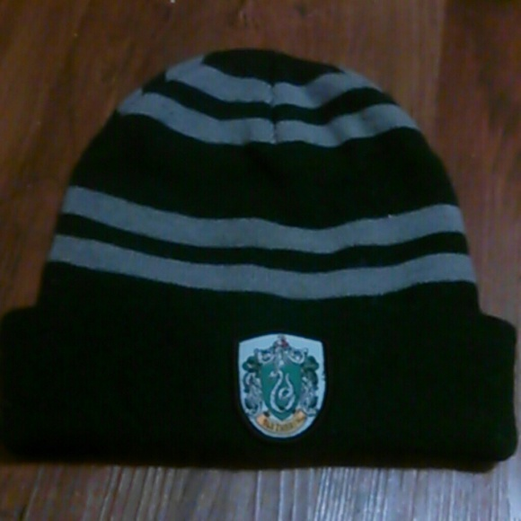 e562d2438c4 Accessories - Harry potter slytherin beanie hat