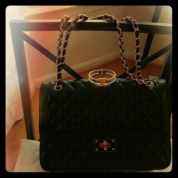 20% off Soap Opera Jewelry Handbags