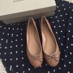 Nude ballet bow flats