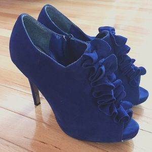 EXTENDED!SPRING BREAK SALE☀️Blue Suede Heels