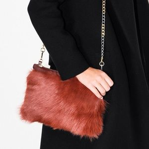 ✨3XHOST PiCK ✨Üterque orange furry purse.