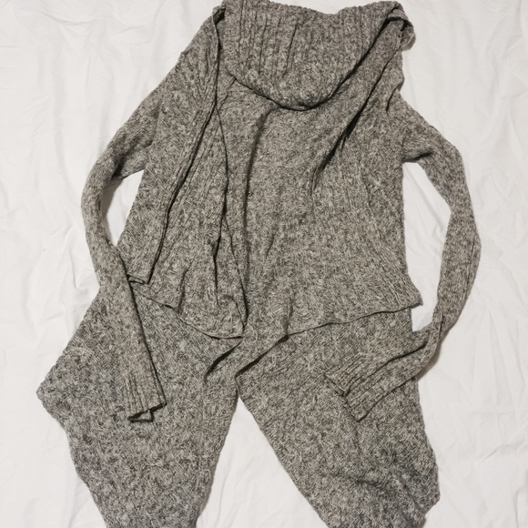 Urban Outfitters - 💜bundle for trade💜Hooded Knit Waterfall ...
