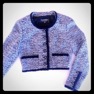 Authentic CHANEL Boutique Boucle Jacket. Small⬇⬇