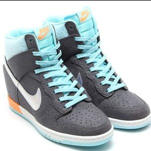 Nike Shoes - Nike Dunk Ski Hi PRM