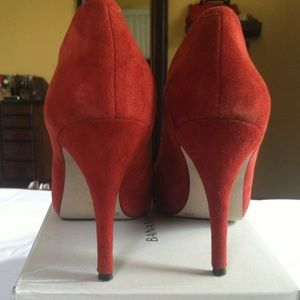 NWOT BANANA REPUBLIC Red Suede Shoes 