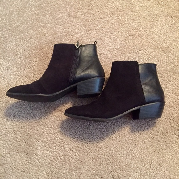 Old Navy Black Bootie Ankle Boots