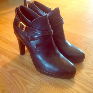 black Leather MaxMara ankle boots
