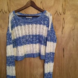 Abercrombie knit cropped sweater