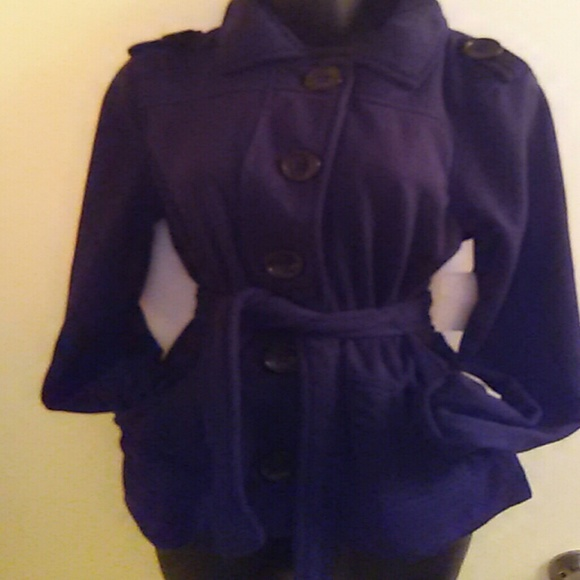 Deb - *SALE* NWT pea coat with hood.very cute. from Terri's closet ...
