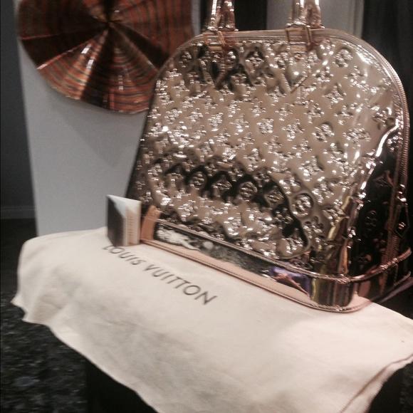 b31add99e35 Louis Vuitton Bags   Authentic Alma Gm Miroir   Poshmark