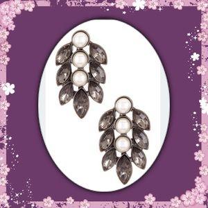 Jewelry - 🎄New Beautiful Round/Marquise Leaf Stud Earrings