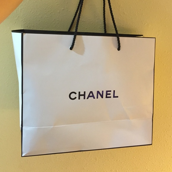 CHANEL - Chanel white shopping bag from Cathy's closet on