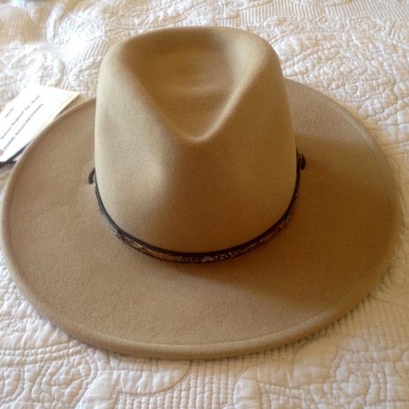 8e2e404f1bd09 NWT Stetson Mountain Sky Crushable Hat. M 54df8bc6fbf6f93c0600e3f9