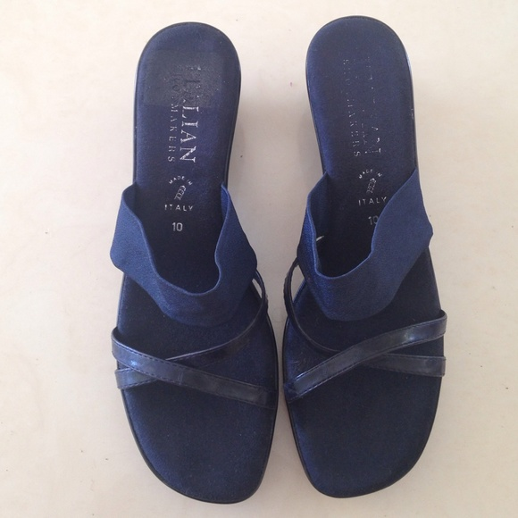 4b6cd6335bc2 Italian Shoemakers navy blue wedge sandals Size 10