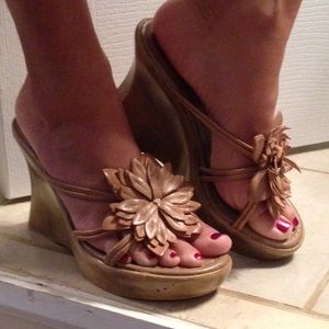 77 bongo shoes leather flower strapless wedges